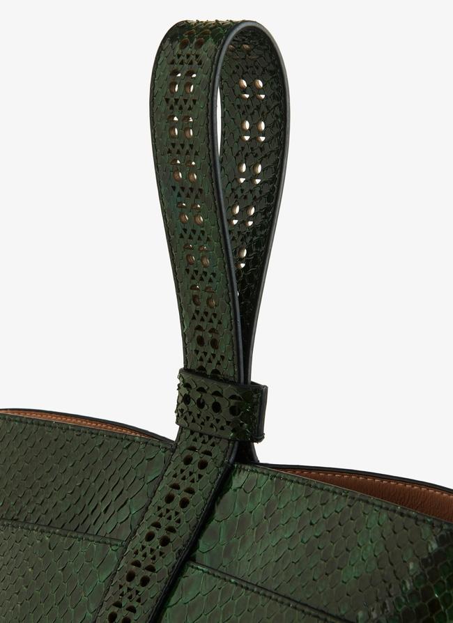 Stella medium bucket bag - maison-alaia.com